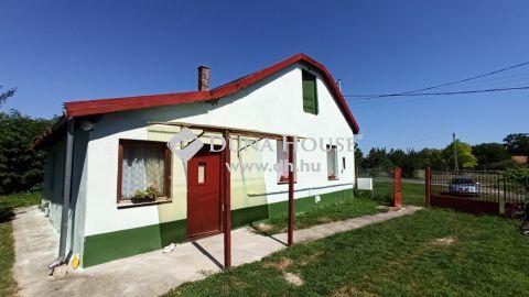 Eladó Ház, Bács-Kiskun megye, Fülöpszállás - Központban,kiváló helyen,akár két generációnak is