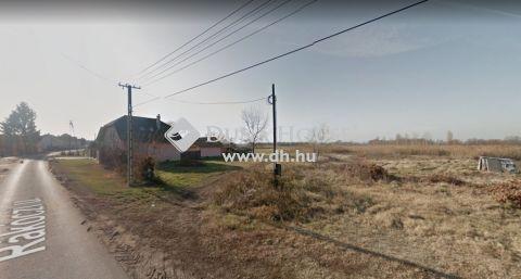 Eladó Telek, Létavértes - 1206 m2-es közművesített építési telek eladó