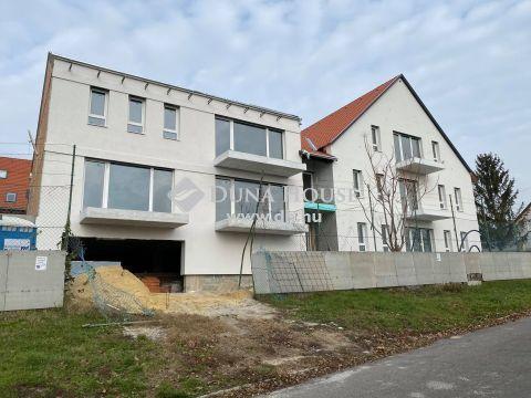 Eladó Parkoló, Baranya megye, Pécs