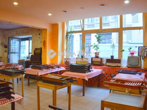 Eladó Üzlethelyiség, Budapest 7. kerület - Körúton belül MELEG KONYHÁS földszinti, utcai üzlethelyiség