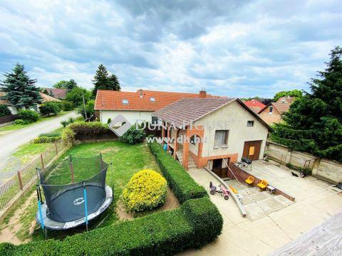 Eladó Ház, Pest megye, Vecsés - Saroktelken 2,3 generációnak, vállalkozásra is