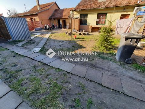 Eladó Ház, Bács-Kiskun megye, Kiskunfélegyháza - Részben leválasztott 2 szobás ház