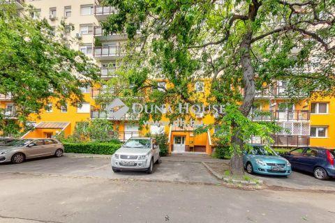 Eladó Lakás, Budapest - Szigetelt,nagy konyhás ,napfényes lakás
