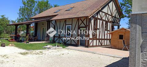 Eladó Ház, Pest megye, Szigetszentmiklós - Kétlakásos, új építésű