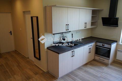 Eladó Lakás, Bács-Kiskun megye, Kecskemét - Teljeskörűen újjáépített 2 szobás Rákóczi út-i lakás