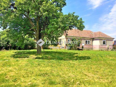 Eladó Ház, Zala megye, Tótszerdahely - Közvetlenül a horvát határ és a Mura folyó melletti Tótszerdahelyen befejezésre vár egy 96 nm2-es családi ház tele lehetőséggel, 1256 nm zöldterülettel!