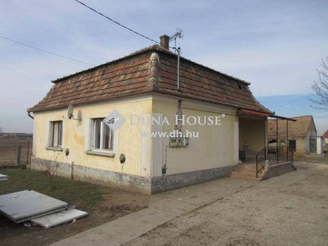 Eladó Ház, Komárom-Esztergom megye, Kocs - központ