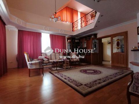 Eladó Ház, Zala megye, Zalaegerszeg - Klasszikus, elegáns, tágas! Újszerű állapotú családiház eladó medencével