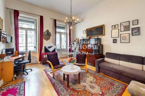 Eladó Lakás, Budapest - Napfényes, utcai nézetű, erkélyes lakás a Thököly úton