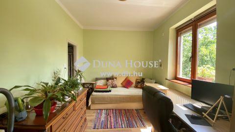 Eladó Ház, Vas megye, Szombathely - Krúdy lakópark szomszédságában, kicsi házrész 2 lemezgarázzsal!
