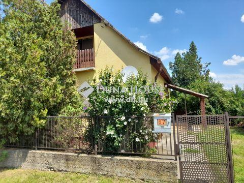 Eladó Ház, Fejér megye, Pusztaszabolcs - Pusztaszabolcs csendes utcájában, két szintes családi ház
