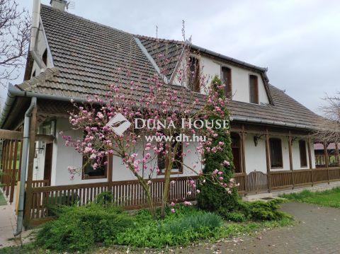 Eladó Ház, Pest megye, Kemence - Börzsöny lábánál, 24 ha-os családi bírtok